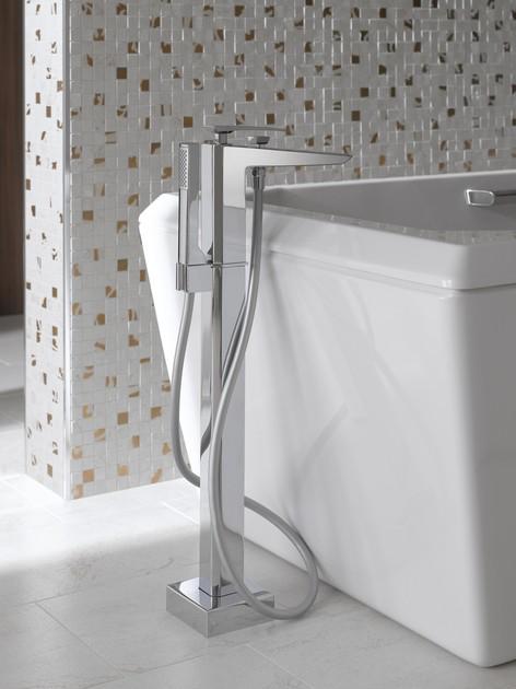 TOTO Смеситель для ванны отдельностоящий, с ручным душем