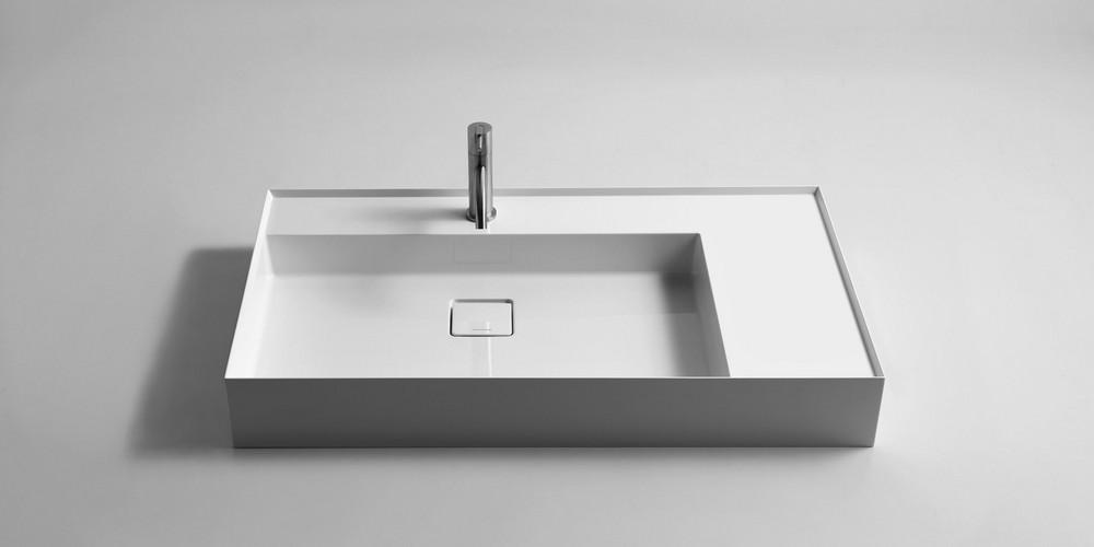 Graffio Аntonio Lupi раковина прямоугольная с установкой на столешницу или навесная из материала Ceramilux с полкой, в комплекте с донным клапаном и фитингом для сифона 90х50х12 см