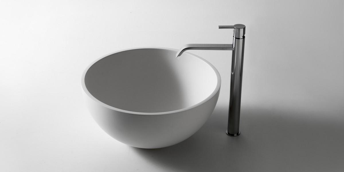 Urnamood Аntonio Lupi Раковина круглая для установки на столешницу из материала Flumood , в комплекте с донным клапаном и фитингом для сифона 50х23,5 см