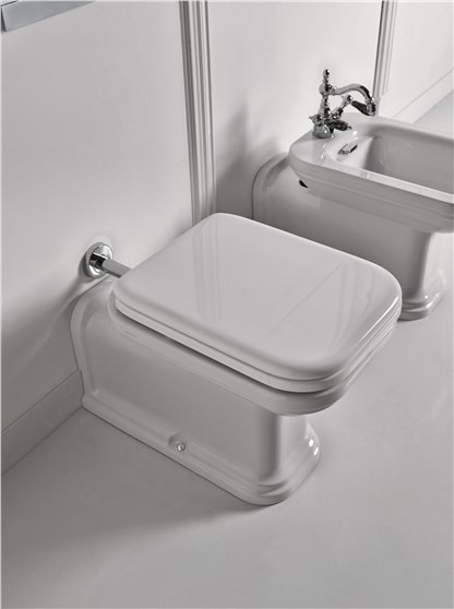 Waldorf Kerasan Унитаз соло, модель удлиненная с сидением Soft&Close, петли хром  65смx37смx42 см