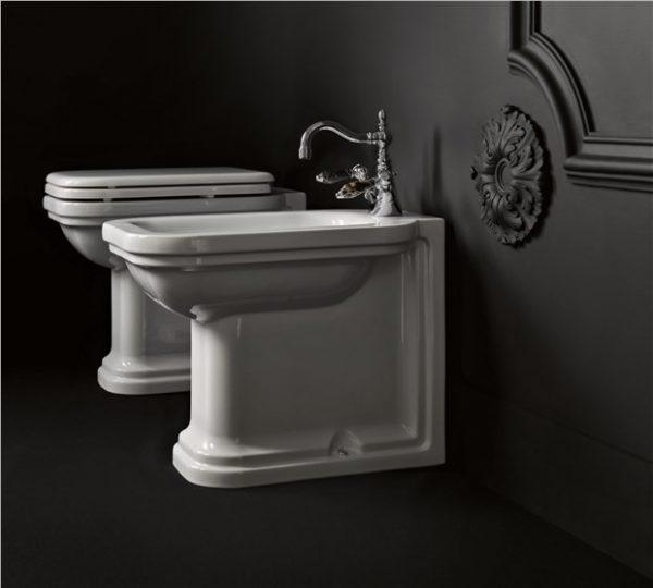 Waldorf Kerasan Унитаз соло, модель пристенная с сидением Soft&Close, петли хром 55смx37смx42 см